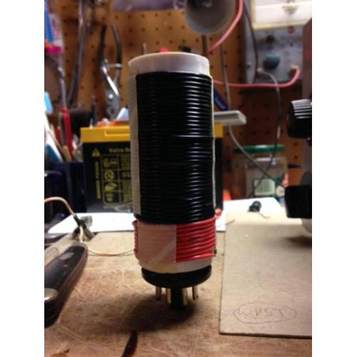 "Customer image:<br/>""coil mounted on 8 pin plug for a regenerative receiver"""