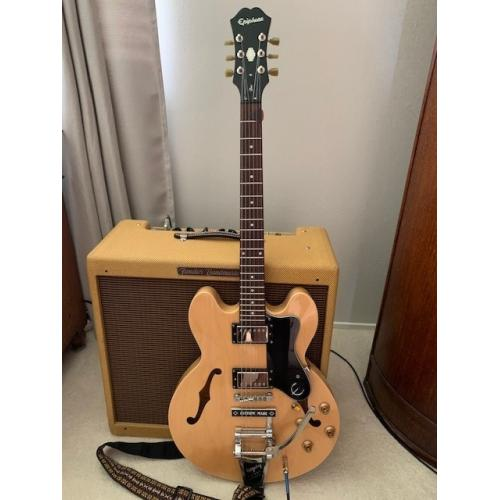 "Customer image:<br/>""Epiphone Dot &amp; Bandmaster"""