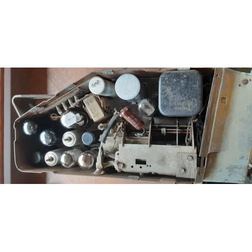 "Customer image:<br/>""1946 Motorola 21212"""